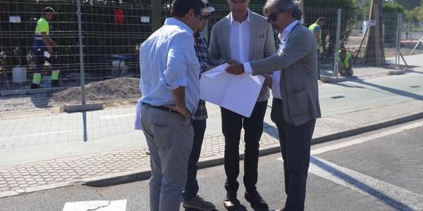 El Ayuntamiento ejecuta el nuevo carril bici alrededor de la Glorieta Avión Saeta dentro de la estrategia de mejora de la movilidad ciclista