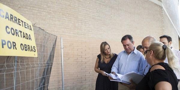 (07/08/2017) El Ayuntamiento ejecuta un programa extraordinario de inversión en centros cívicos y distritos municipales que supera el millón de euros