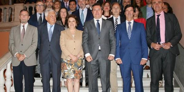 El Ayuntamiento forja un trabajo conjunto con el empresariado sevillano para aprovechar las oportunidades de inversión en múltiples ámbitos económicos aparejadas a la cumbre de la WTTC