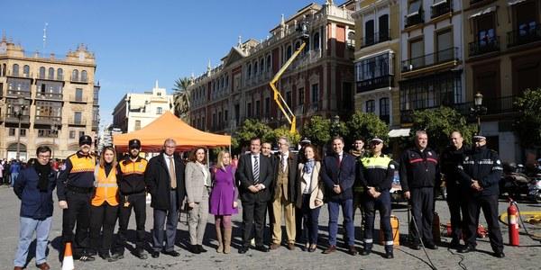 El Ayuntamiento imparte talleres de actuación en situaciones de emergencias en el hogar en colaboración con el Colegio de Administradores de Fincas de Sevilla