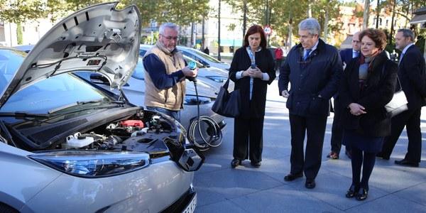 El Ayuntamiento incorpora a su flota municipal 15 coches eléctricos que sustituirán a otros tantos de combustibles fósiles en la estrategia de la sostenibilidad del PACES y de lucha contra el cambio climático