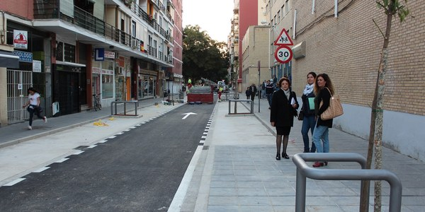 El Ayuntamiento inicia el martes las obras de sustitución de redes y reurbanización del último tramo de  la calle Virgen de Regla, entre Juan Sebastián Elcano y Montecarmelo, y concluye las de Virgen de la Victoria