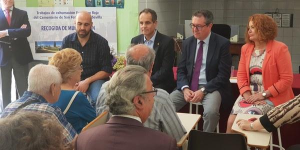 El Ayuntamiento inicia la recogida de muestras de ADN de los familiares de las víctimas de la fosa de Pico Reja