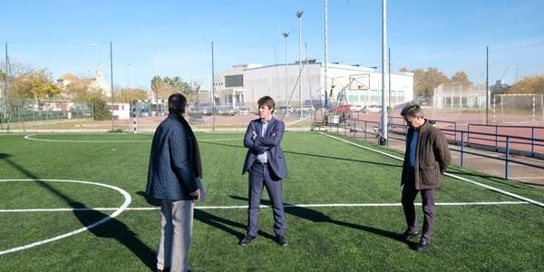 El Ayuntamiento inicia la segunda fase de renovación del Centro Deportivo San Jerónimo tras  concluir la nueva pista polideportiva de césped artificial
