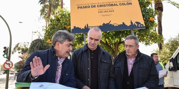 El Ayuntamiento inicia las obras de construcción del nuevo carril bici del Paseo Colón que unirá los Jardines del Cristina y Reyes Católicos