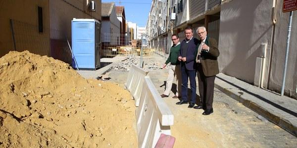 El Ayuntamiento inicia las obras de reurbanización de cuatro calles de la barriada de Tiro de Línea con más de 191.000 euros de inversión