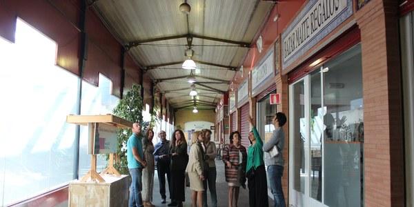 El Ayuntamiento inicia las obras  para renovar la cubierta del mercado de abastos de Triana  y evitar filtraciones con un presupuesto de 455.000 euros