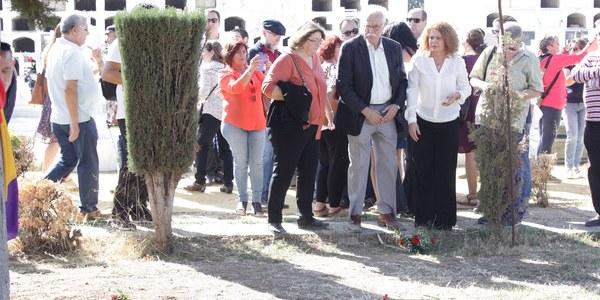 El Ayuntamiento inicia los trabajos de búsqueda y delimitación de la fosa común de Pico Reja y contempla en sus propuestas para el presupuesto de 2018 trabajos en el resto de fosas del cementerio de San Fernando