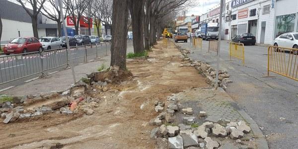 El Ayuntamiento inicia obras de renovación de los acerados del Polígono Calonge y su adaptación  a la normativa de accesibilidad universal con un presupuesto  de casi 44.300 euros