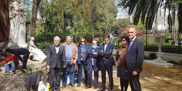 El Ayuntamiento instala elementos perdidos en la Glorieta de Bécquer del Parque de María Luisa siguiendo modelos originales y con los que concluye la restauración del conjunto escultórico y su entorno