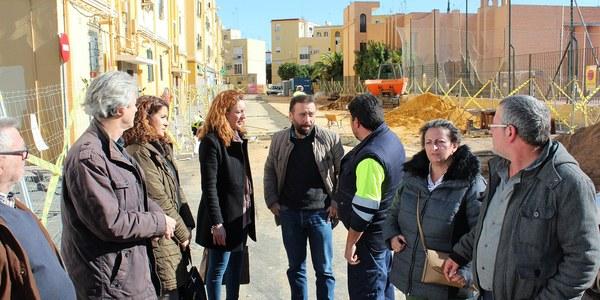 El Ayuntamiento lleva a cabo obras de renovación de redes y reurbanización en las calles Abuyacub y Madre San Marcelo de la barriada de La Barzola, en el Distrito Macarena