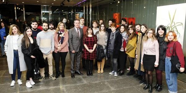 El Ayuntamiento premia a 30 jóvenes de la ciudad por sus trabajos en el XVI Certamen de Creación Joven, en el que han participado más de 200