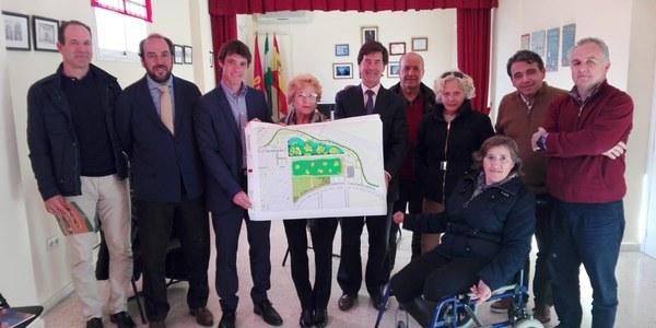 El Ayuntamiento presenta ante los vecinos y la vecinas de Los Bermejales el proyecto del nuevo complejo deportivo que se adapta a las necesidades del barrio y genera una zona verde pública