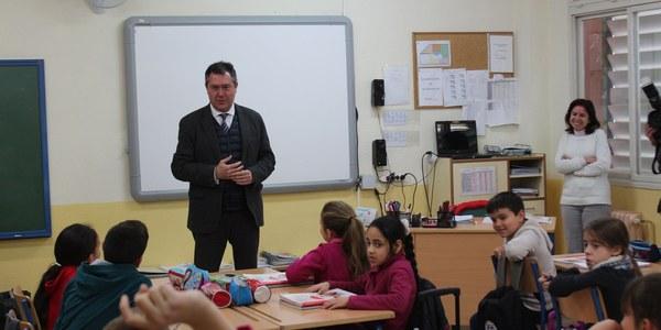 El Ayuntamiento programa 60 proyectos de inversiones en colegios por un importe de 5,3 millones de euros para el año 2018 así como mejoras en eficiencia energética y accesibilidad incorporadas con las enmiendas de los grupos