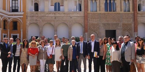 El Ayuntamiento programa un  mes dedicado al cine entre el Festival y la entrega por primera vez en Sevilla de los premios europeos y lanza su candidatura para ser sede de los Goya