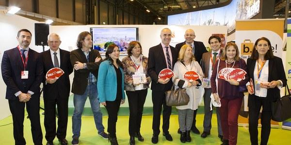 El Ayuntamiento respalda  en FITUR la iniciativa de Alcentro para facilitar la devolución del IVA en las compras a los turistas