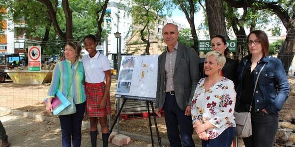 El Ayuntamiento reurbaniza la Plaza Tívoli en el Distrito Nervión con una nueva reordenación, pavimento, mobiliario urbano, fuente de agua potable, luminarias led y una zona de juegos infantiles totalmente renovada