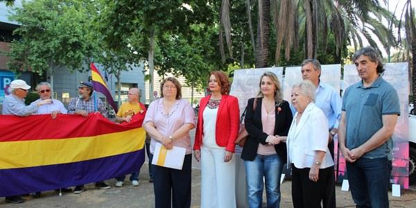 El Ayuntamiento rinde un homenaje institucional a las personas de Sevilla que fueron deportadas a los campos de concentración nazis