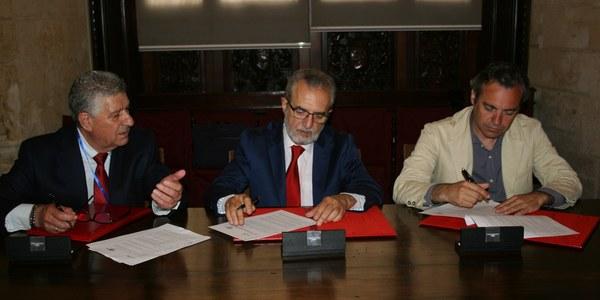 El Ayuntamiento suscribe un convenio de colaboración para la cesión de viviendas de Emvisesa a  la asociación Aspanri-Aspanridown para facilitar la emancipación de personas con síndrome de Down