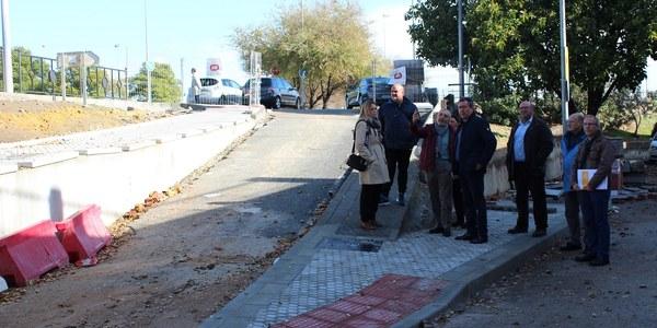 El Ayuntamiento ultima las obras en la Ronda de Padre Pío que facilitarán el tránsito peatonal y eliminarán la  actual división de la barriada