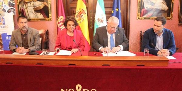 El Ayuntamiento y la federación del comercio de alimentación y droguería firman un convenio de colaboración para impulsar la promoción y el asociacionismo en el comercio local