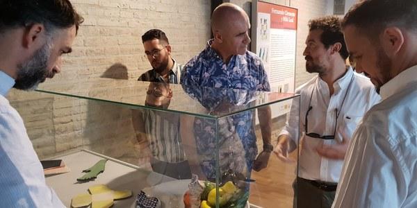 El Centro Cerámica de Triana acoge la exposición 'Barros y Cañas' de Miki Leal y Fernando Clemente