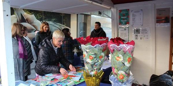 El Distrito Nervión acoge el III mercado navideño de artesanía hasta el próximo 5 de enero en la Avenida Luis de Morales