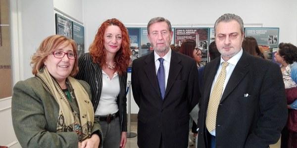 El Hogar San Fernando acoge la exposición fotográfica sobre el Puerto de Sevilla desde hoy y hasta el próximo 9 de marzo