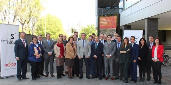 El proyecto de innovación abierta Sevilla Futura impulsado por el Ayuntamiento se constituye con 16 compañías de primer nivel y 5 instituciones públicas y marca el camino para el nuevo centro tecnológico de las Naves de Renfe