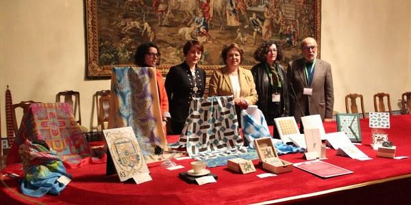 El Real Alcázar presenta la segunda colección de productos de artesanía inspirados en el monumento y alcanza los 23 talleres con 60 artículos