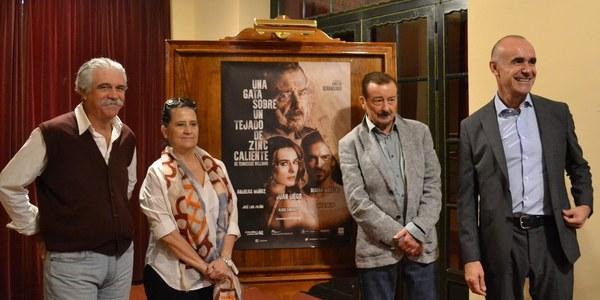 El sevillano Juan Diego protagoniza la obra 'Una gata sobre el tejado de zinc caliente', de Tenesse Williams, en el Teatro Lope de Vega