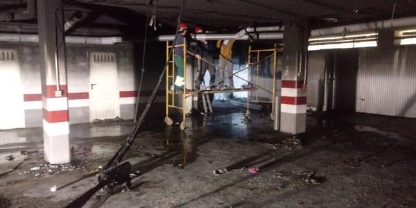 Emvisesa restablece ya el suministro de agua y la red de saneamiento tras el incendio del pasado lunes en el garaje de su promoción de viviendas protegidas  de la Avenida de Andalucía