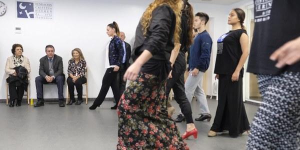 Espadas destaca la contribución de la Fundación Cristina Heeren a la formación de jóvenes valores y a  la promoción internacional del flamenco y la oferta adicional que supone para Triana su nuevo teatro dedicado en exclusiva a este arte