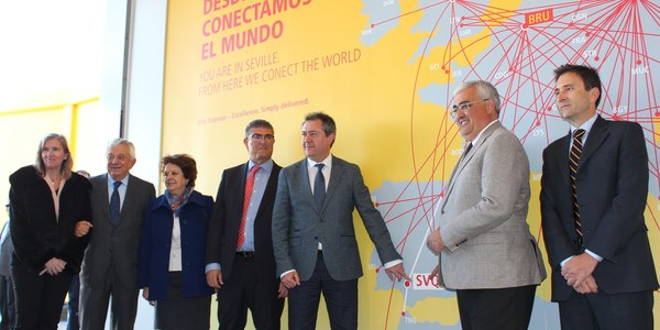 Espadas enmarca la ampliación de las instalaciones de DHL en el aeropuerto de Sevilla en la recuperación industrial, económica y laboral de la ciudad y su área metropolitana