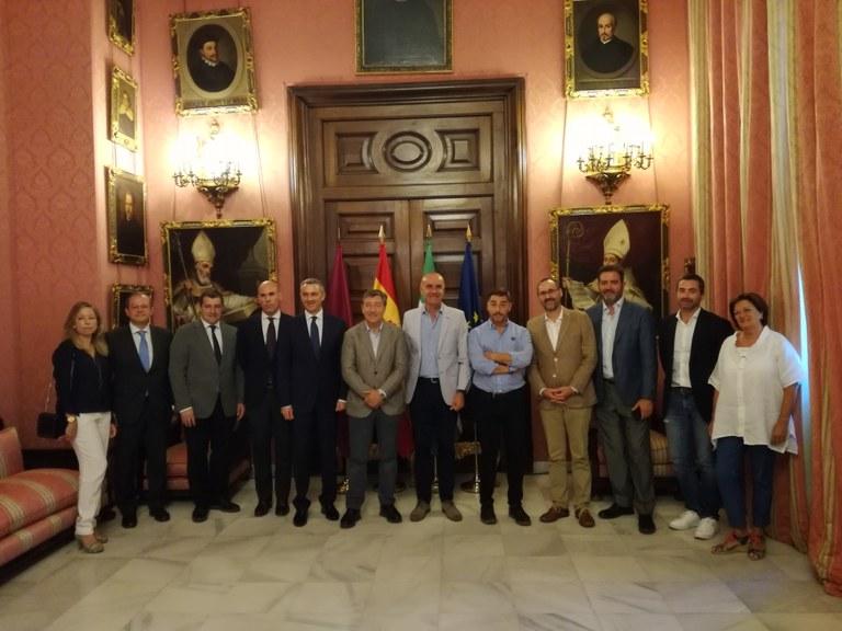 Foto. Hermanos Roca Ayuntamiento.jpg