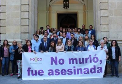 Foto minuto silencio víctima violencia de género.jpg
