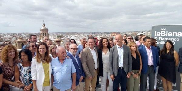 La Bienal enciende Sevilla con su programación de calle