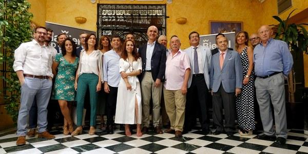 La Bienal y las empresas turísticas de Sevilla presentan 'La Bienal-Aset Experience', una propuesta de actividades de cultura, ocio y gastronomía para descubrir la ciudad en torno a esta cita flamenca