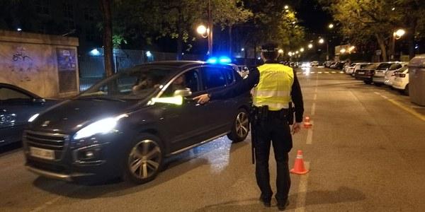 La Policía Local realizó esta madrugada 195 pruebas de alcohol, con sólo 3 positivas, interpuso 20 denuncias por botellón e inspeccionó 14 locales, dos de ellos sancionados  y otro desalojado y precintado