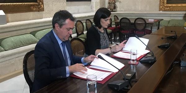 Los ayuntamientos de  Sevilla y Santander firman un convenio de colaboración para la promoción recíproca entre ambas ciudades y aprovechar la nueva ruta aérea que las conecta