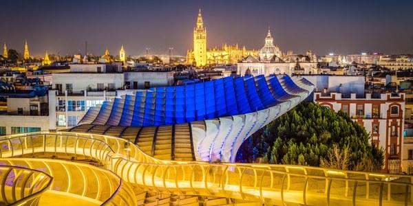 Los turistas alojados en Sevilla crecieron un 4,34 % en julio