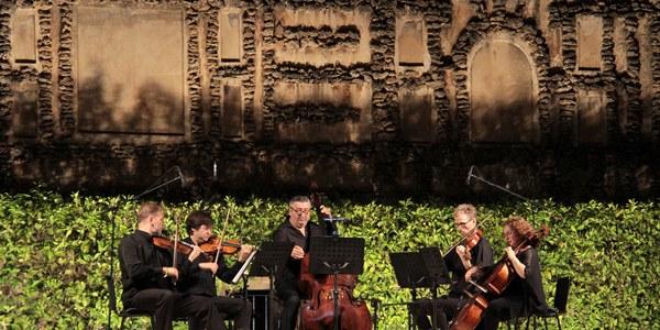 Más de 14.000 personas han asistido al ciclo Noches en los Jardines del Real Alcázar que supera su sexta semana de conciertos