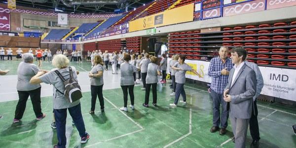 Más de 600 participantes acuden al Encuentro Deportivo de Mayores que se ha desarrollado en el Palacio de los Deportes de San Pablo
