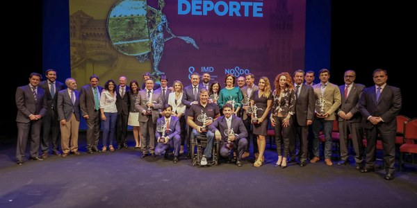 Paquito Navarro y Blanca Manchón, premiados como mejores deportistas sevillanos del año en la 31ª Fiesta del Deporte, que homenajeó a José Antonio Muñoz 'Anchoa'