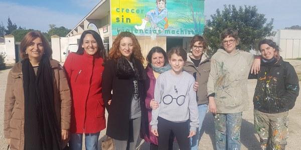Parque Tamarguillo, San Jerónimo y Distrito Sur acogen murales de más de 25 metros con la violencia de género como enfoque común
