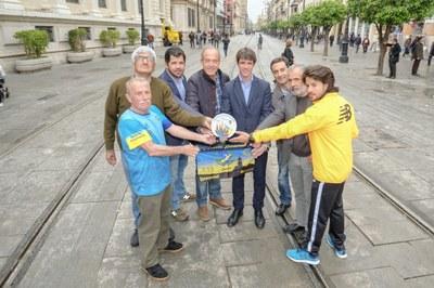 Premio participación Zurich Maratón Sevilla.JPG
