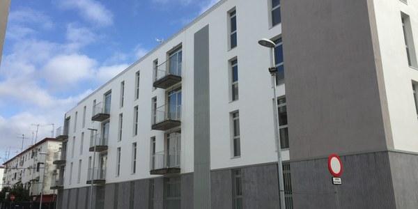 El Ayuntamiento recibe las primeras solicitudes de permutas de viviendas municipales en la barriada de Los Pajaritos, dentro de una convocatoria que finaliza el próximo 29 de noviembre