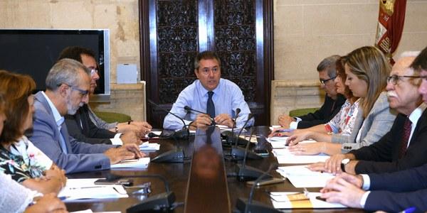 Puesta en marcha el plan integral de Torreblanca con la primera sesión de trabajo entre administraciones y las distintas áreas municipales