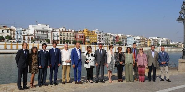 Refuerzo a la estrategia de conectividad aérea de Sevilla con un plan que pretende convertir el aeropuerto de San Pablo en puerta de entrada de la Andalucía occidental