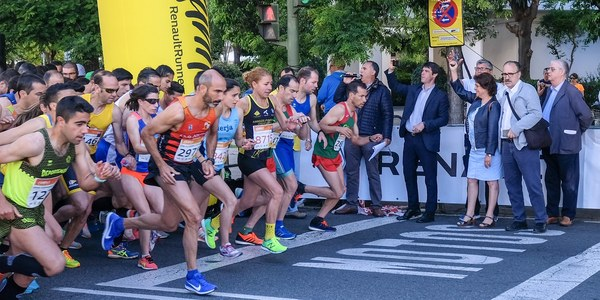 Rubén Álvarez y Tamara Pérez se imponen en la prueba de 10K de la Carrera Parque Vega de Triana 'Renault Street Run', que ha contado con casi 9.000 inscritos